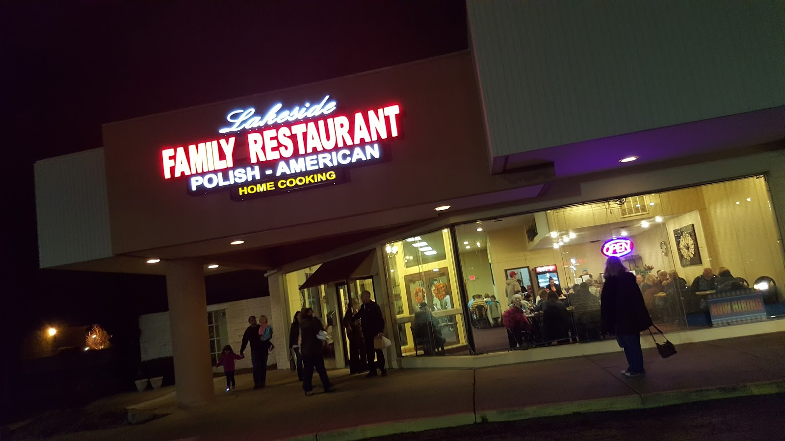 Lakeside Family Restaurant